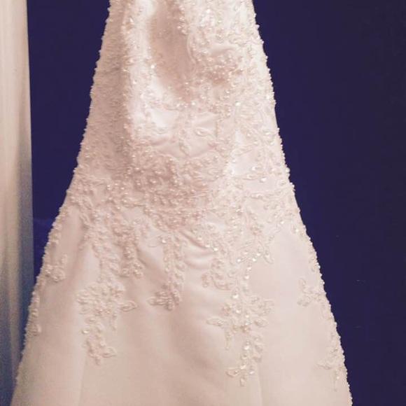 David's Bridal Dresses & Skirts - Wedding Dress - Never Worn